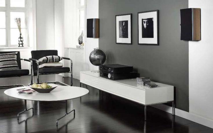 Abbinare due colori in una stanza - Salotto con pareti grigie e bianche