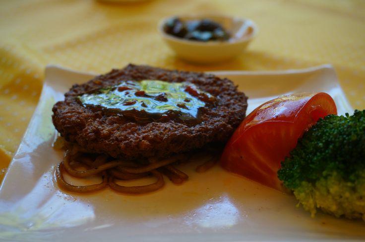 Do you know that it's a #vegetarian #steak? If you're a vegetarian, you will definitley love it. #Sanya #SanyaRepin #SanyaHeartstoHearts #Whererefreshingbegins #Food #Yummy