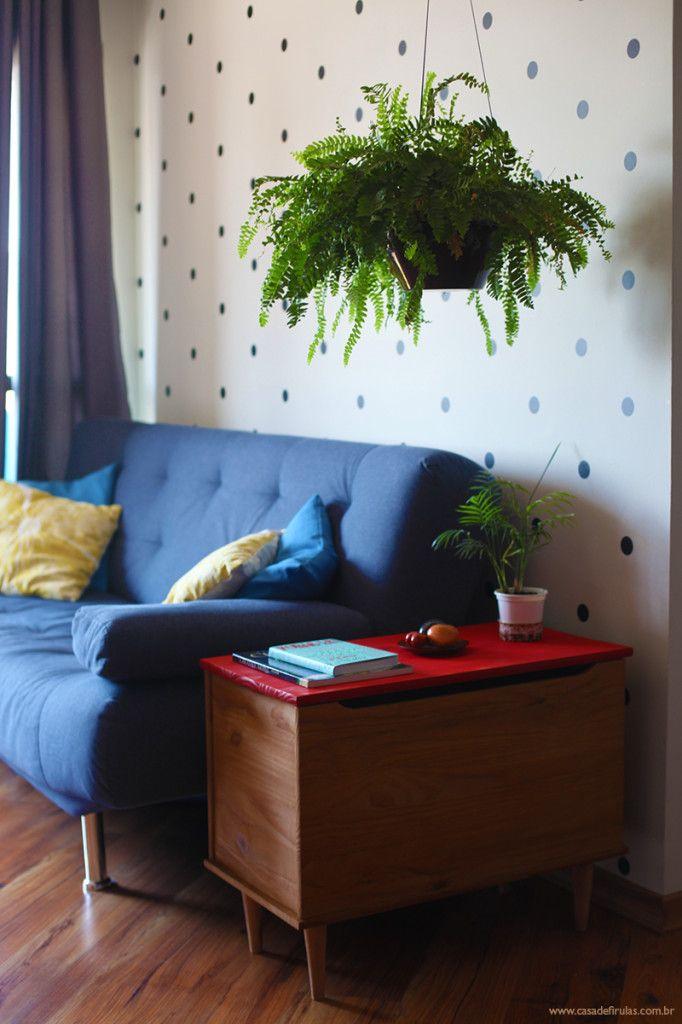 Como fazer uma mesinha lateral com um baú e quatro pés palitos - Blog de decoração - Casa de Firulas