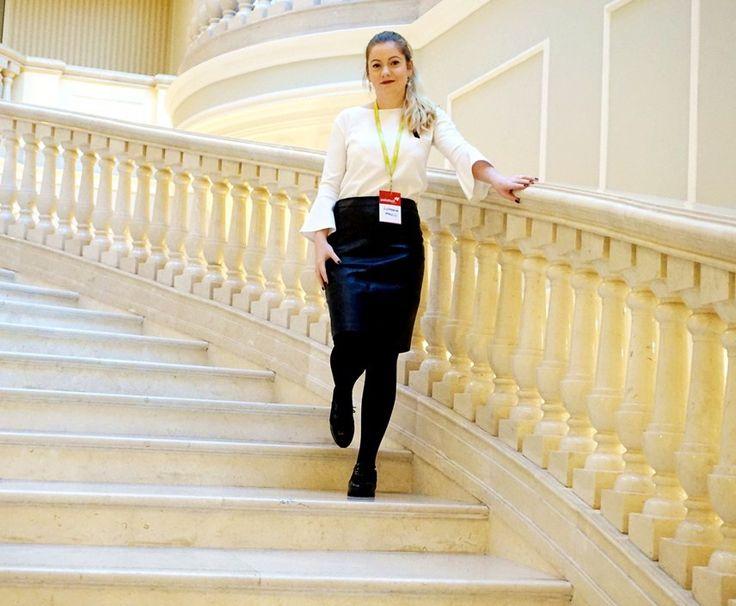 Ce mai fac bloggerii/vloggerii? - Lory's Blog