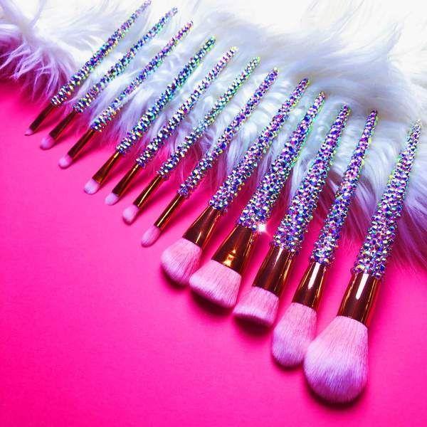 Pin By Kim Taehyung On Maquillaje De Ojos In 2020 Rose Gold Makeup Brushes Makeup Brush Belt Makeup