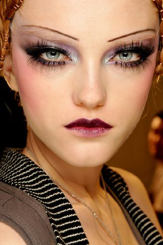 Google Image Result for http://www.style.com/slideshows/fashionshows/F2009RTW/CDIOR/BEAUTY/00360m.jpg