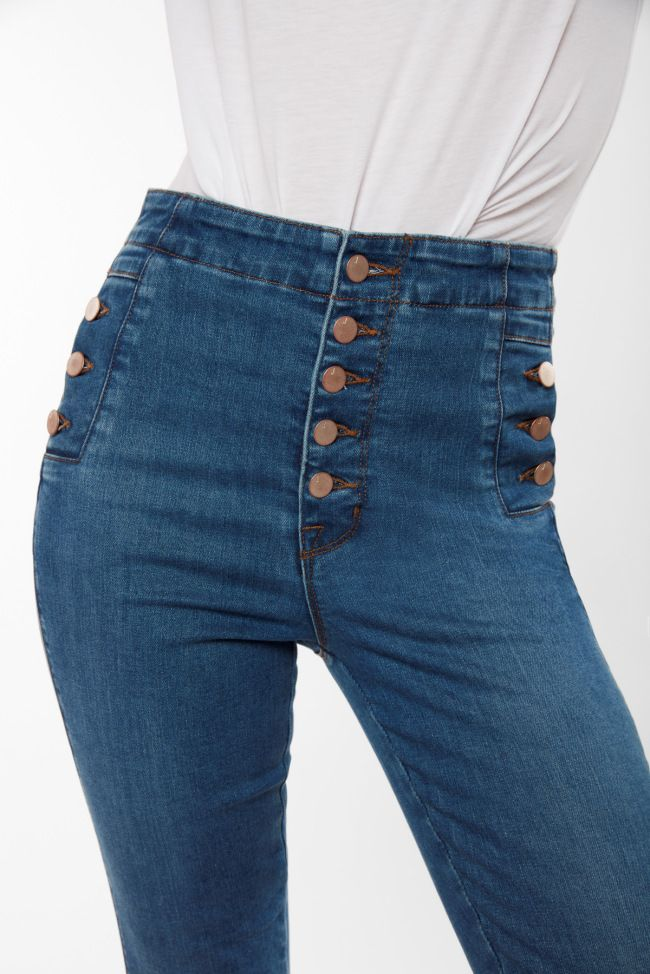a3d8d2425cbe J Brand® is a California brand offering timeless and premium jeans for  Women and Men. Shop our extended collection now.
