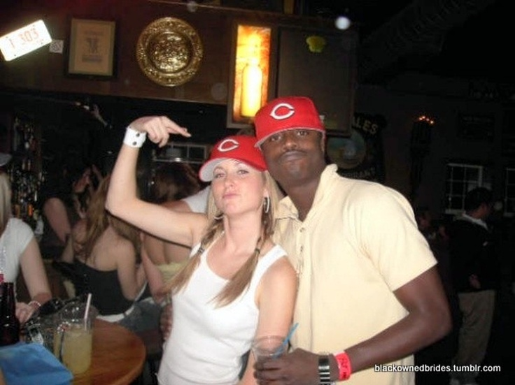White Women With Black Men Flirting, Drinking And Dancing -6701