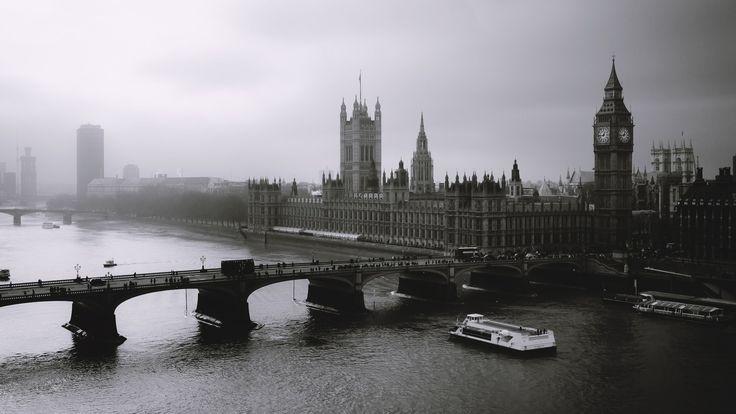 London Bridge Black and White HD Wallpaper