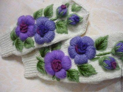 """Варежки с вышивкой """"Сиреневый цветок"""" - цветочный,варежки ручной работы"""