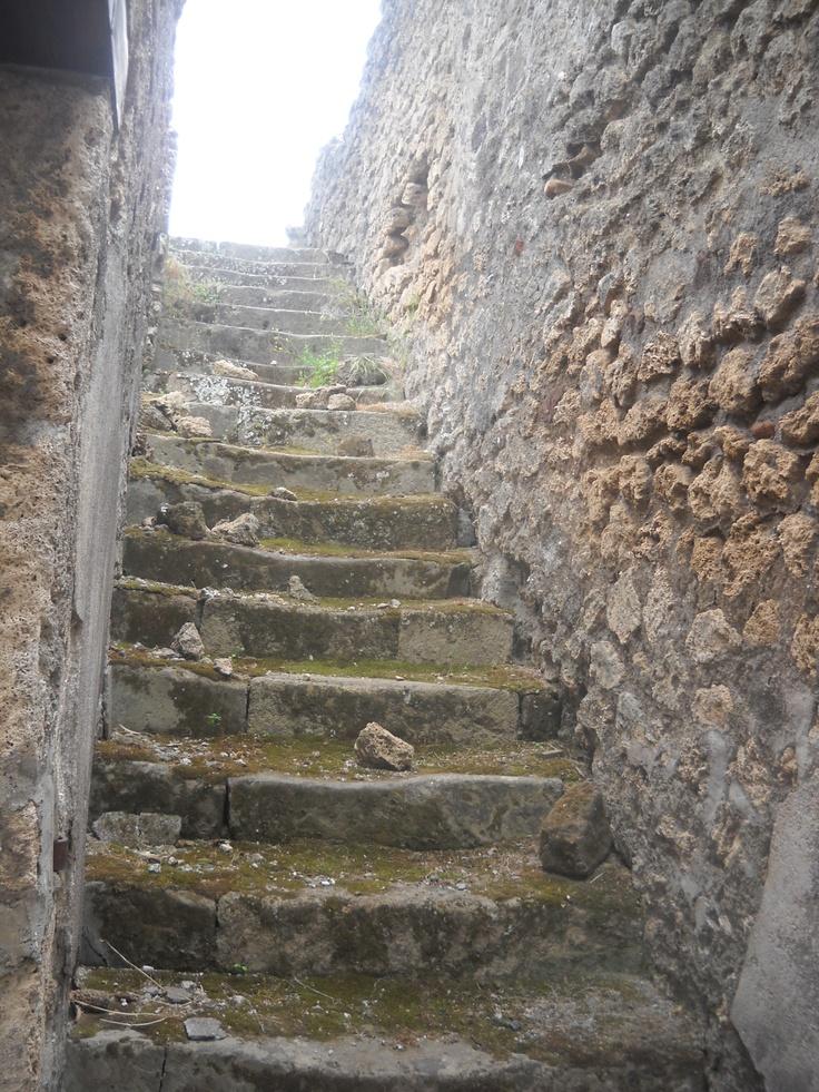 eerie streets of pompeii