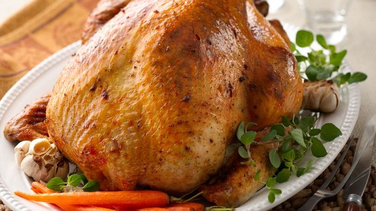 """Thanksgiving Pavochón / Add a touch of Puerto Rico to your turkey and there you have it: """"Pavochón"""". http://www.quericavida.com/recipes/thanksgiving-pavochon/9e2c1c0f-09bb-4529-8e18-6b9049751da8?utm_source=Email_newsletter&utm_medium=email&utm_campaign=QRVLifecycle_11_12_2016_ThanksgivingENG"""
