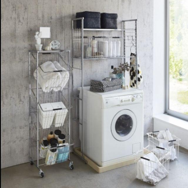 221 脚部の幅がわずか1㎝のラック。伸縮式だから洗濯機に合わせて、狭い洗濯機周りにもバッチリ。 Dinos/ディノス/ランドリー/カゴ/洗濯機/洗濯機上 棚…などのインテリア実例 - 2014-07-23 09:44:27 | RoomClip(ルームクリップ)