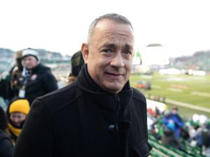 Grey Cup 2013: Tom Hanks makes surprise appearance, delights Saskatchewan Roughriders fans at friend Martin Short's expense