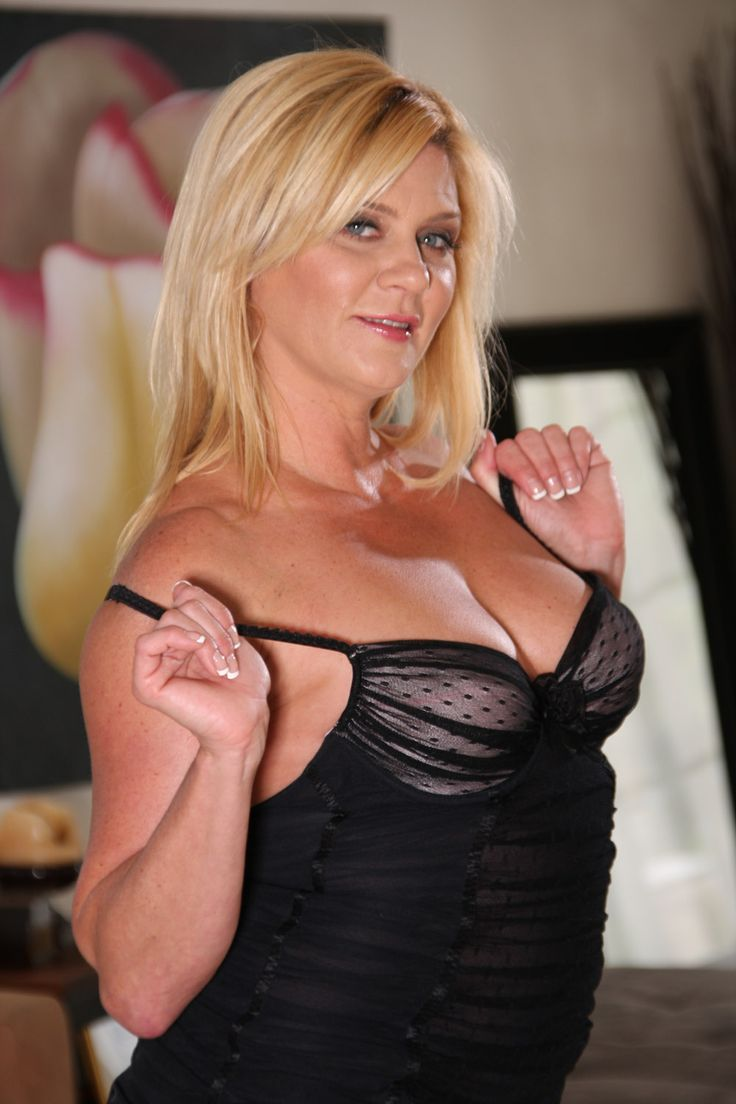 Milf boy caught checking out cleavage