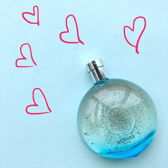Nová láska naší šéfredaktorky Moniky 💕.. jarní vůně Eau des Merveilles Bleue od Hermés