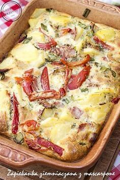 Zapiekanka ziemniaczana z mascarpone, szynką, papryką konserwową, cebulką i ziołami wyszła smaczna i syta dlaczego dzielę się z Wami przepisem :)