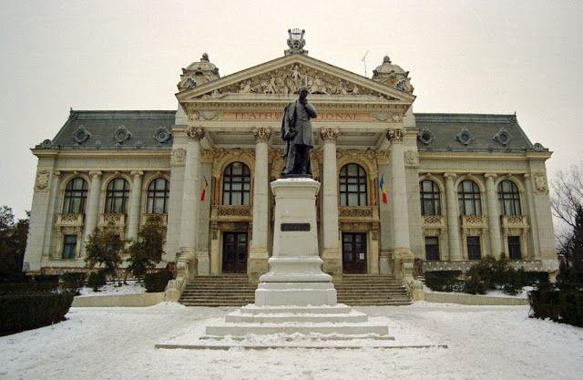 Despre cărţi, muzică, pictură şi oameni!: The National Theatre - Iași, Romania