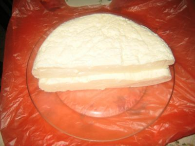 Сыр-брынза домашняя... ( из 2л молока получается от 800г до 1кг сыра, в зависимости от качества молочных продуктов)6 яиц , 2 банки сметаны ( в банке 200г), 1 банка (200г) кефира.(можно без него)