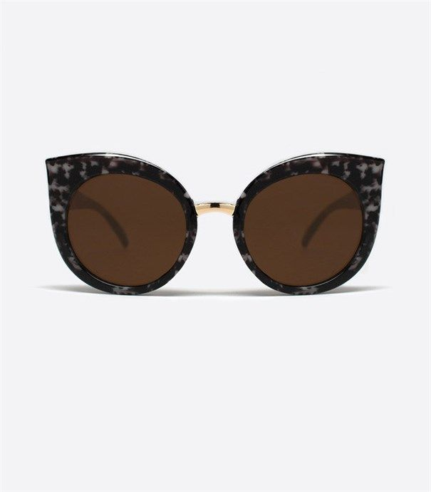 Dream Of Me Sunglasses - Tortoise by Quay