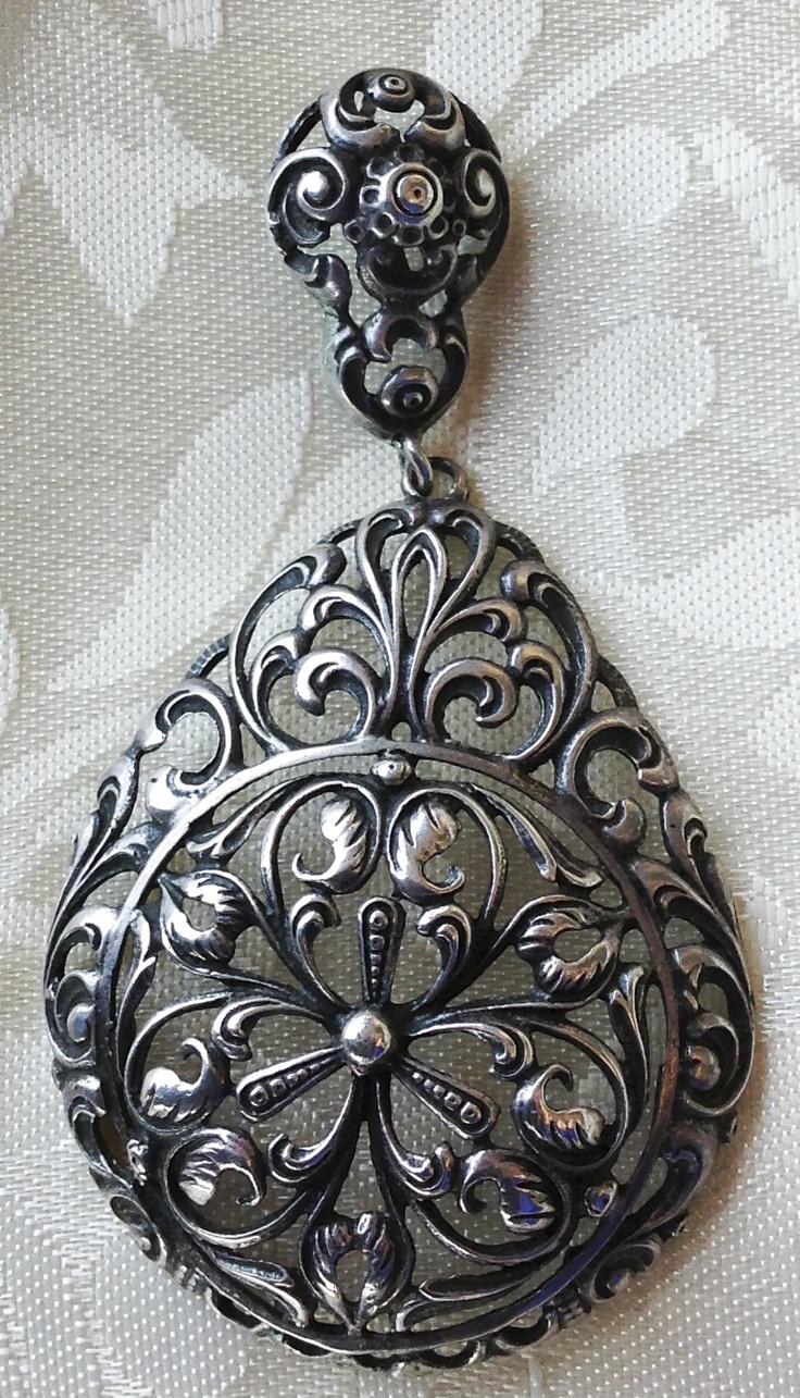 Vintage/antique Scandinavian 830 silver floral pendant