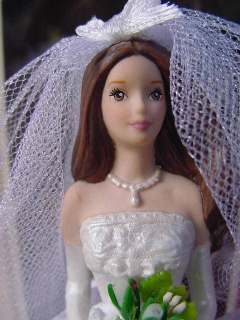 BARBIE BRIDE ORNAMENT BLUSHING Brunette Hallmark Keepsake PORCELAIN BRIDAL wbxpt