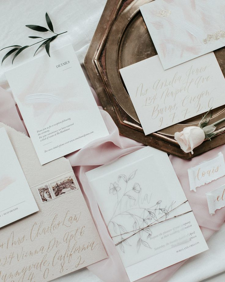 Minimal and romantic wedding invitations by Plume & Fete
