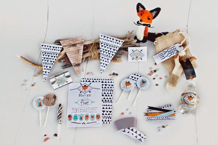 Oh my this hipster fox birthday party kit would be perfect for a birthday party original - Soiree a theme original ...