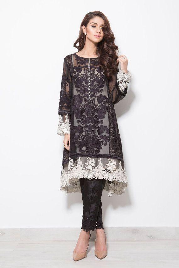 Pakistani Dress Baroque Inspired Shalwar Kameez por KaamdaniCouture