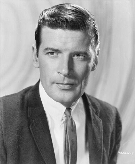 Peter Breck served in the United States Navy on the aircraft carrier USS Franklin D. Roosevelt (CV-42)
