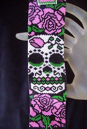 *P Sugar Skull - Beaded Peyote Bracelet Cuff Pattern