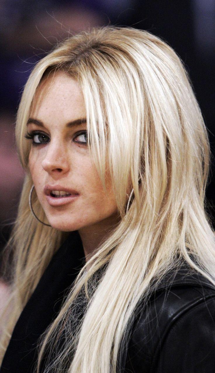 Lindsay Lohan – skandalistka, która zaczynała u Disneya  http://womanmax.pl/lindsay-lohan-skandalistka-ktora-zaczynala-u-disneya/