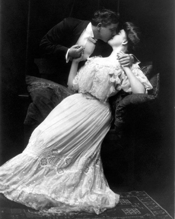 Vintage Image 1910 Passionate Kissing Couple Victorian Romance - 8 x 10