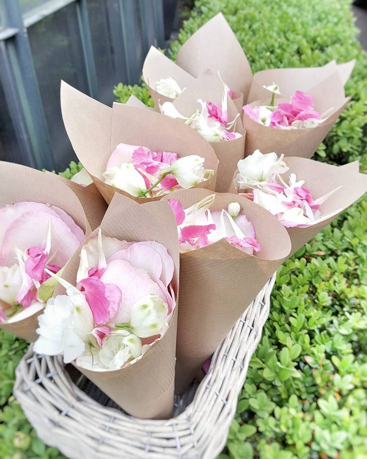 Claire's vintage confetti cones with pretty pink petals. #fleuriotfleurs #fleuriot #wedding