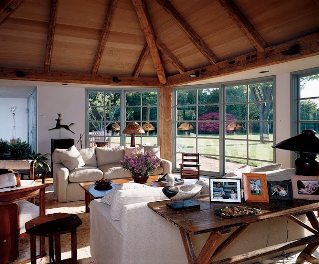 steven spielberg's guest house in the hamptons.