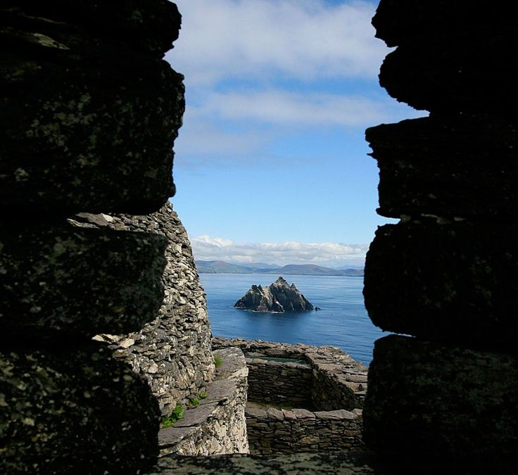 Probably the most common of all photos taken from Skellig Michael but you'll do well to get it as clear as this...