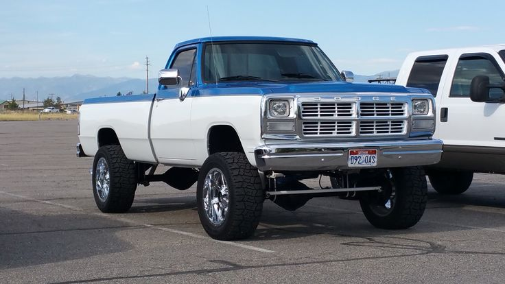 These are the trucks that started the whole true diesel trend...  #ToxicDiesel #DieselPower #CumminsNation  @toxicdiesel  toxicdiesel.com