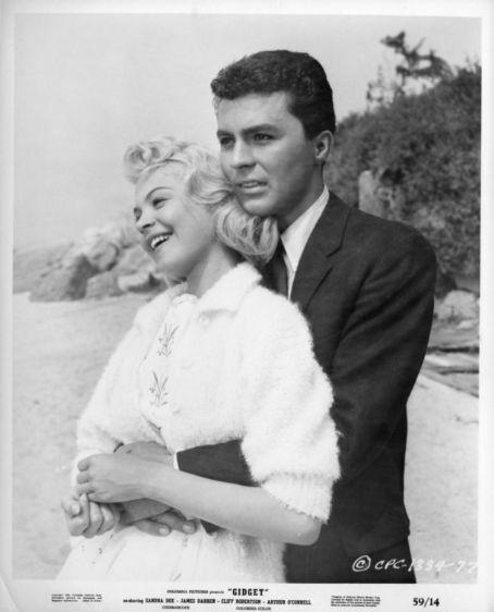 Francie 'Gidget' Lawrence & Jeffrey 'Moondoggie' Matthews   Gidget (1959)    #sandradee #jamesdarren #couples