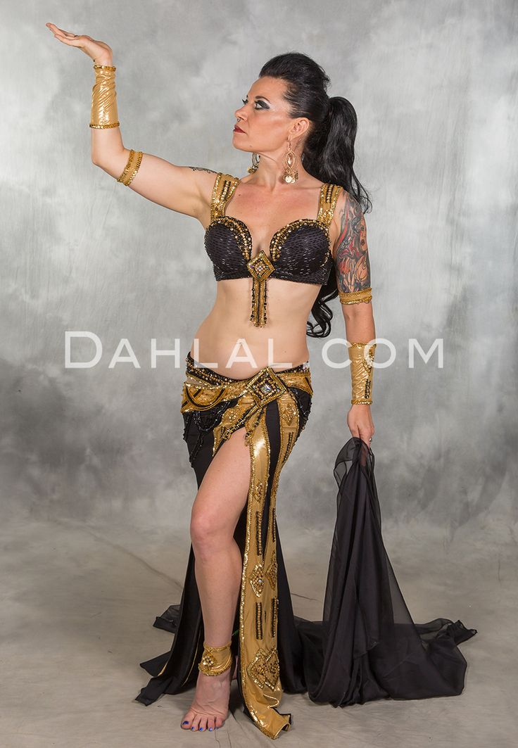 Traditional sexy belly dancing 3