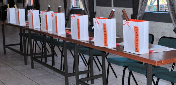 creative gift wrapping workshop