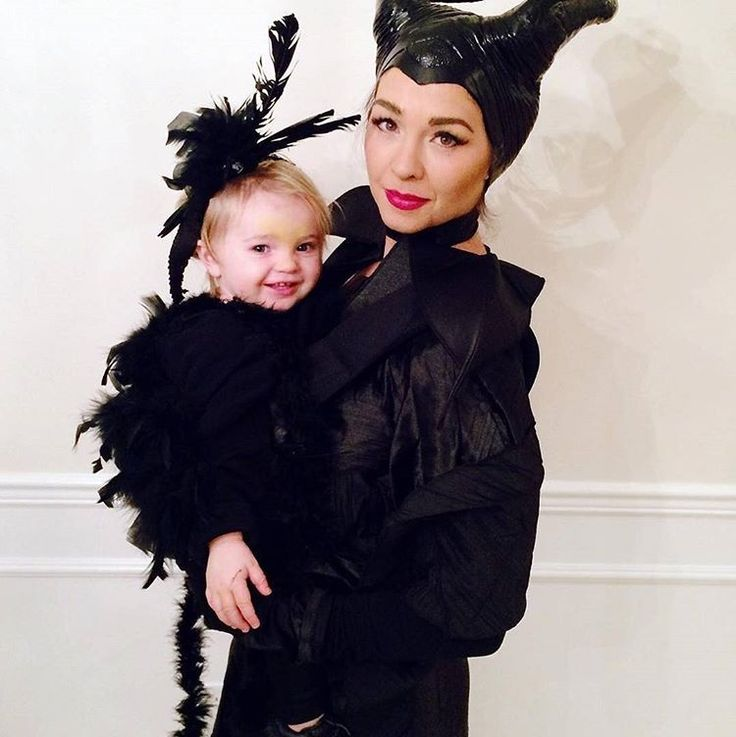 """Who is ready for Halloween? Are you incorporating your carrier into your costume? Tag us! #ErgobabyHalloween """"Maleficent and her Raven. ."""" by @kellyejensen #halloween #Babywearing #Ergobaby #lovecarrieson"""