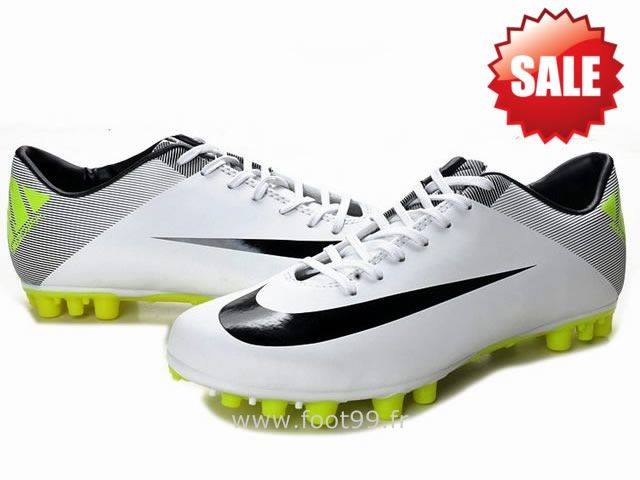 Chaussures de foot nike Mercurial Vapor Superfly III FG Blanc Noir Ballon  Nike Mercurial