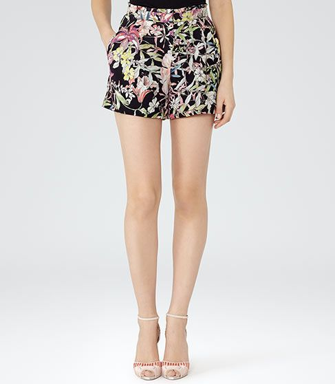 shorts to go with coral jacket, Tshirt and coral shoes or tan shoes