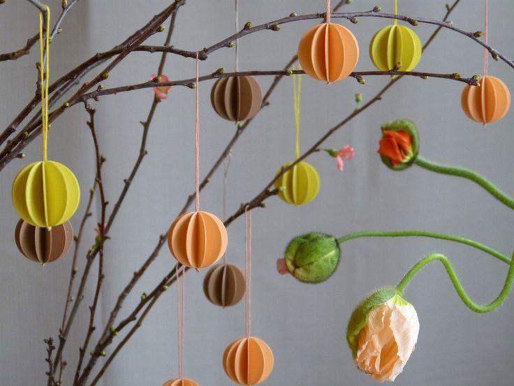 Die besten 25 papierkugeln ideen auf pinterest taschentuch poms taschentuch papierkugel und - Papierkugeln basteln ...