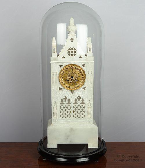 Pöytäkello on kuin miniatyyrinen goottilainen katedraali. Saksa 1840-luku, 1 620…
