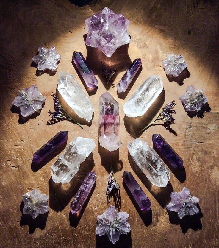 Brandberg Amethyst, Amethyst - Merkaba & Double Pointers, Aragonite and Quartz with field flowers Crystal Grid by Woodlights Woudlicht