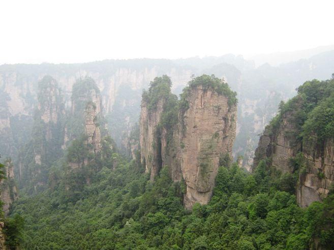 """Китай. Национальный парк Чжанцзяцзе. Каменный лес, где снимался """"Аватар"""""""