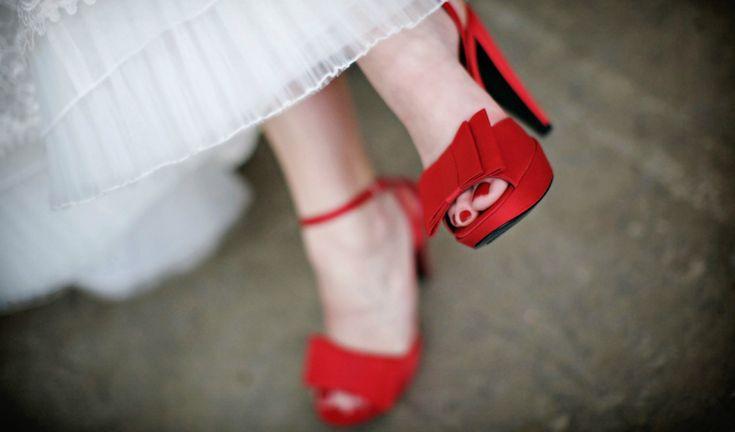Czerwień i biel – motyw przewodni wesela |