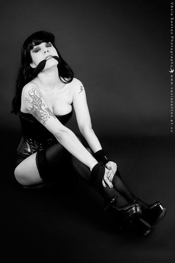 Model: Ana Cristina Pinto • MUA: Patrícia Pereira • Photographer: Vânia Santos