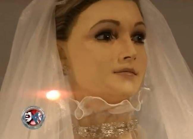 #Mistério: Idêntico à noiva morta, manequim de loja pode ser defunto embalsamado