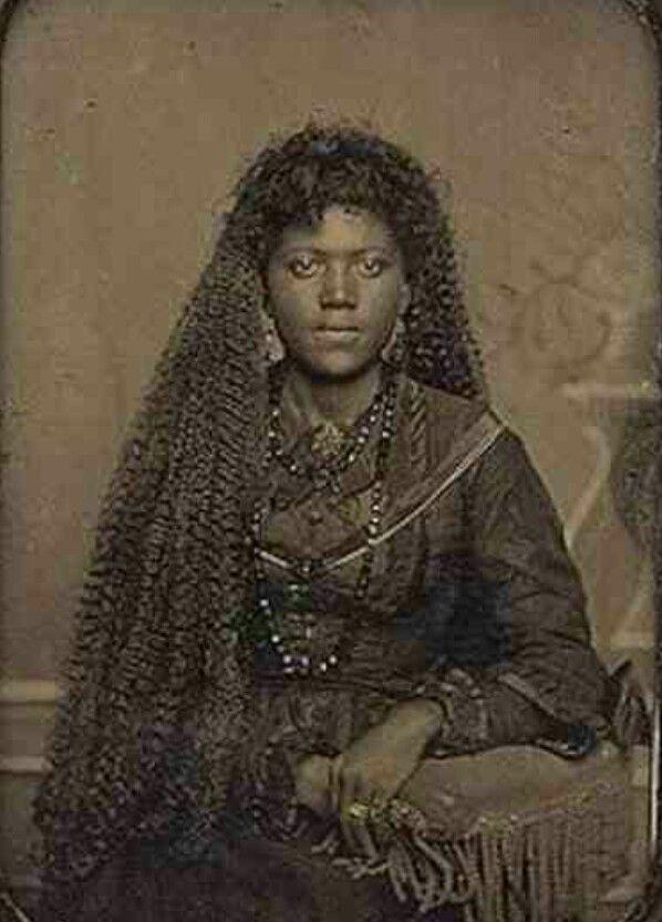 215 Weird Woman 215 215 Unearthly Creature 215 Beautiful Black Women