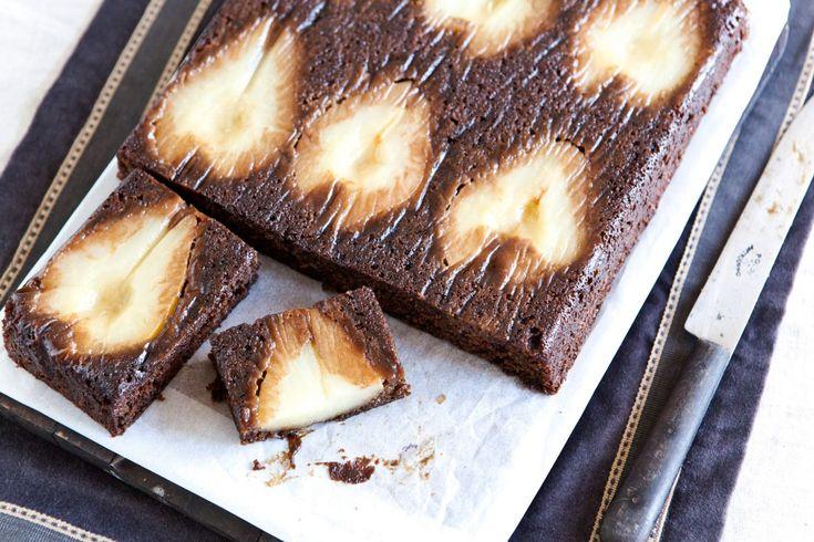 Hruškový koláč se zázvorem a melasou | KITCHENETTE