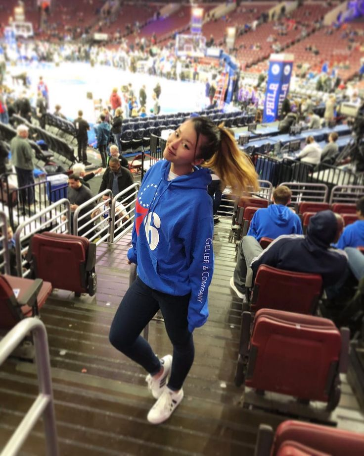 So excited for my first 76ers game!  love my friends for the free tix & merch  . . . . . #philadelphia #philly #basketball #game #saturday #night #bball #76ers #makenoise #sports #daytrip #weekend #fun #student #doctor #surgeon #medstudent #lifestyle #sixers #fitfam #ketofam