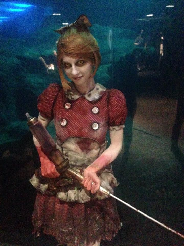 Little Sister cosplay. - http://ift.tt/2iQNcuY   Bioshock cosplay dress, bid daddy, rapture #gamingCosplay gaming #bioshockCosplay #littleSister splicer